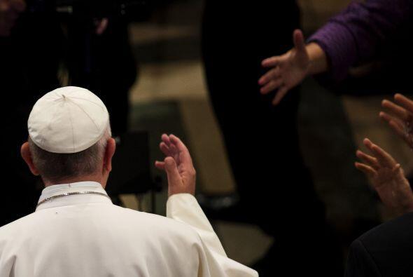 Previo a la canonización, Francisco se reunió con un grupo de seminaristas.