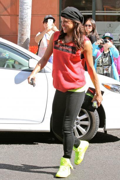 Michelle Rodriguez suele usarlos tan largos, que hasta parece que traen...