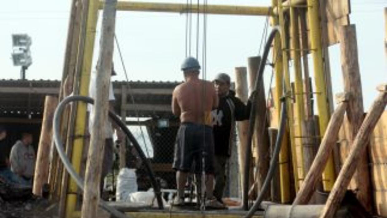 Al menos cinco trabajadores de una mina carbonífera del norte de México...