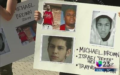 Estudiantes reclaman justicia para Michael Brown