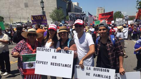 Omar y Argelia hicieron escuchar sus voces al marchar con la comunidad i...