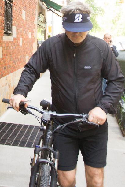 Sino simplemente, algo muy inocente: ¡andar en bicicleta! Mira aqu...