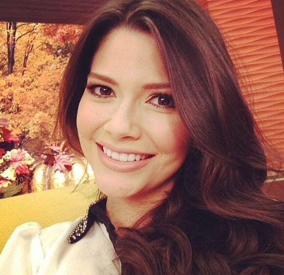 """""""Feliz día de Acción de Gracias desde la casa mas feliz de la televisión..."""
