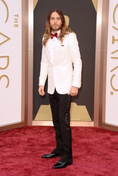 Jared Leto no tuvo una mala elección con este traje de Saint Laurent, si...