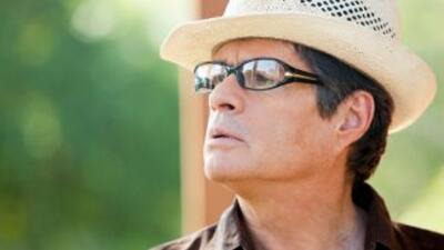 Alejandro Camacho interpreta a Augusto en Abismo De Pasión.