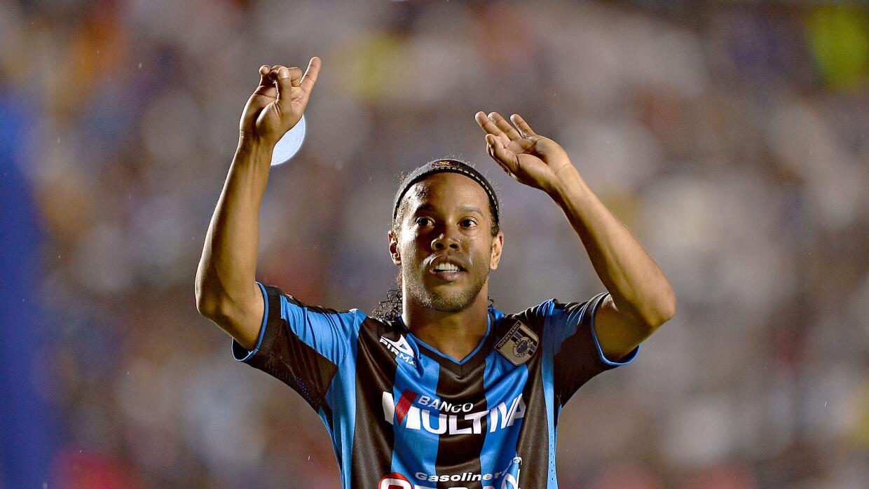 El astro brasileño anunció que jugará en Turquía.