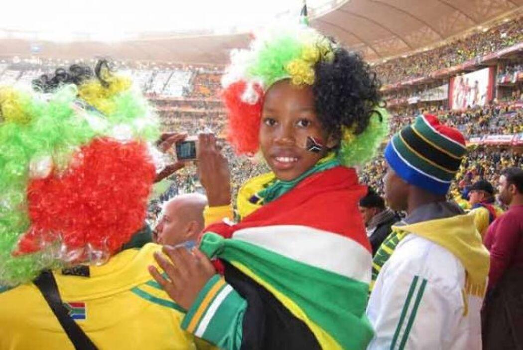 Los aficionados de todas las edades están gozando del Mundial desde las...