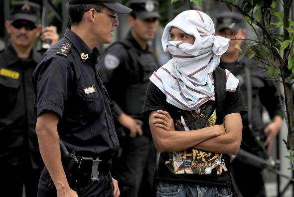 Tres semanas después, en El Salvador, entró en vigencia una ley antipand...