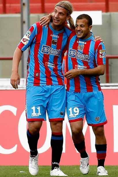 En otro duelo, Catania igualó 2-2 con Siena y el argentino Maxi L...
