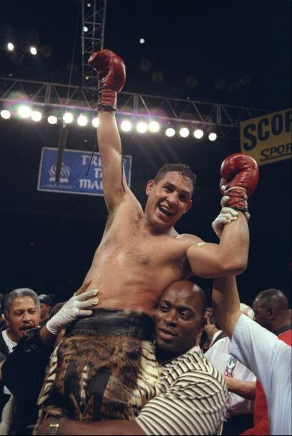 Héctor 'Macho' Camacho conquistó su primer campeonato mundial superpluma...