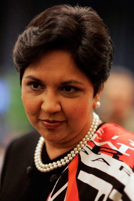 13.-INDRA NOOYI: Tiene 58 años. Es la actual CEO de PepsiCo.