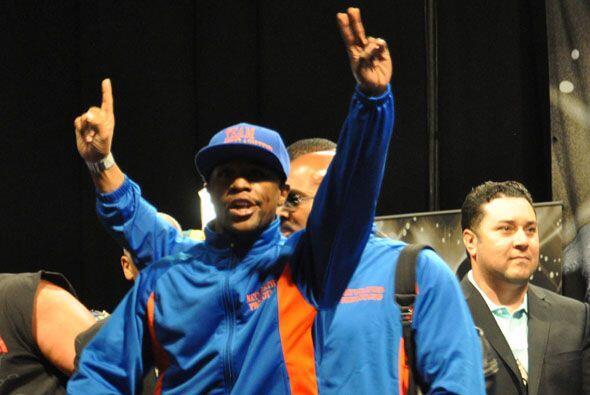 Floyd Mayweather jr. no escuchó tantos aplausos. Aunque la pelea es en s...