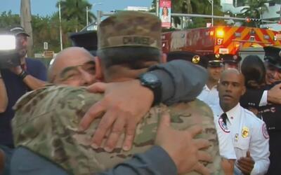 Los bomberos de Miami Beach realizaron una ceremonia de promoción con un...