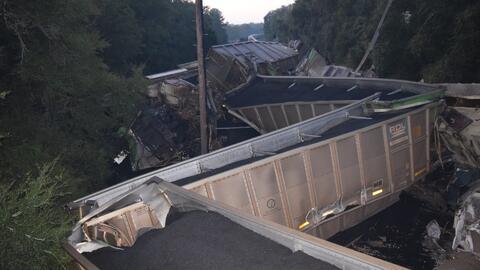 Video: dos trenes chocan en Florida tras descarrilamiento