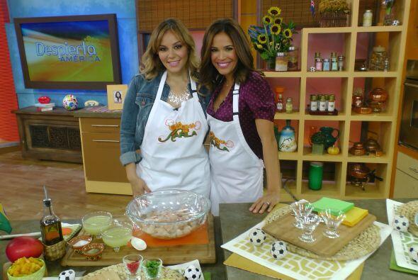 En la cocina, Rosie Rivera ayudó a Karla a preparar un delicioso ceviche...