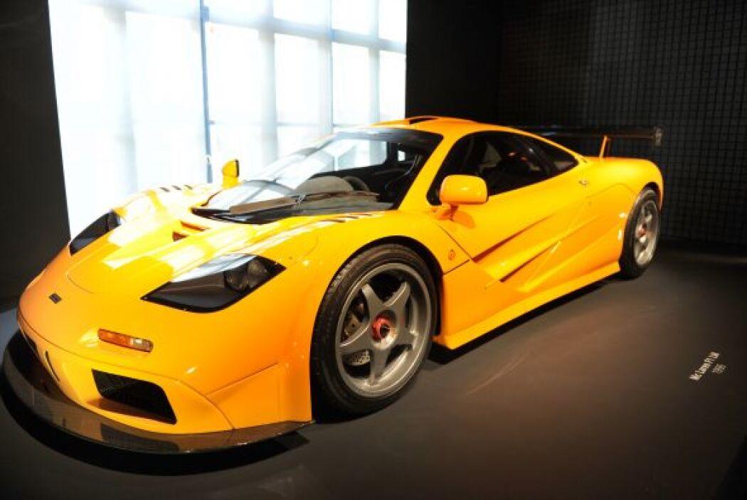 -McLaren F1 LM: Pero como cualquier fanático de los autos no puede falta...