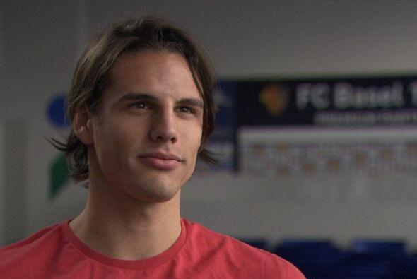 Yann juega para el FC Basilea en Suiza. Todo sobre el Mundial de Brasil...