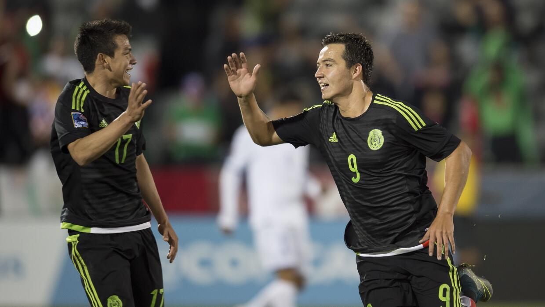Erick 'Cubo' Torres festeja su gol ante Honduras.