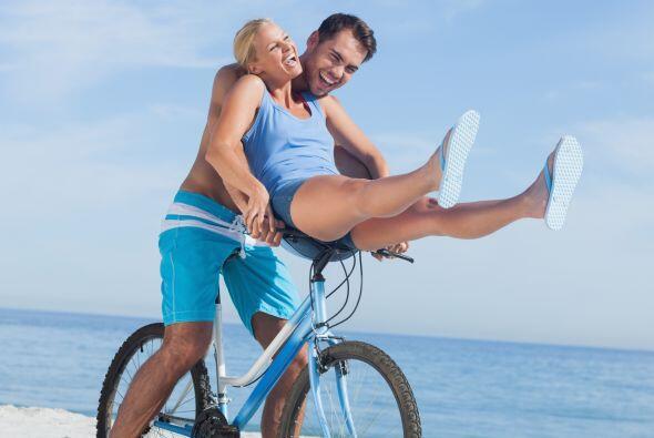 Tener una rutina de bicicleta, correr al menos 30 minutos al día o unas...