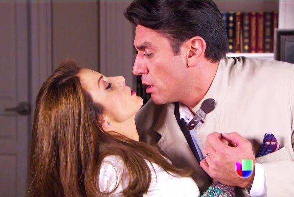 ¡Beso, beso, beso! Al parecer, Cupido hará de las suyas.
