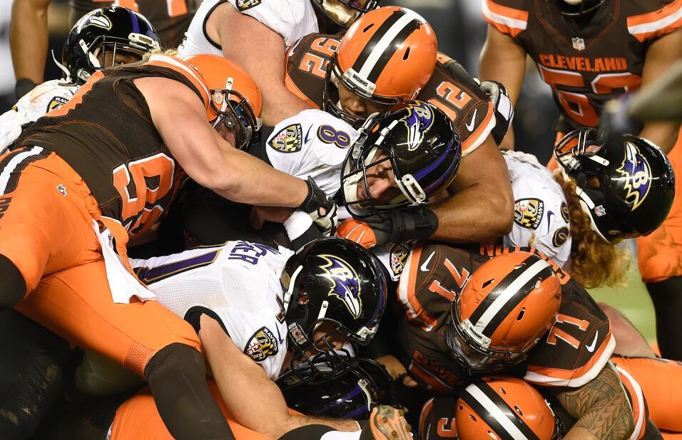 Dramático duelo se vivió en Cleveland donde los Ravens sacaron el partid...