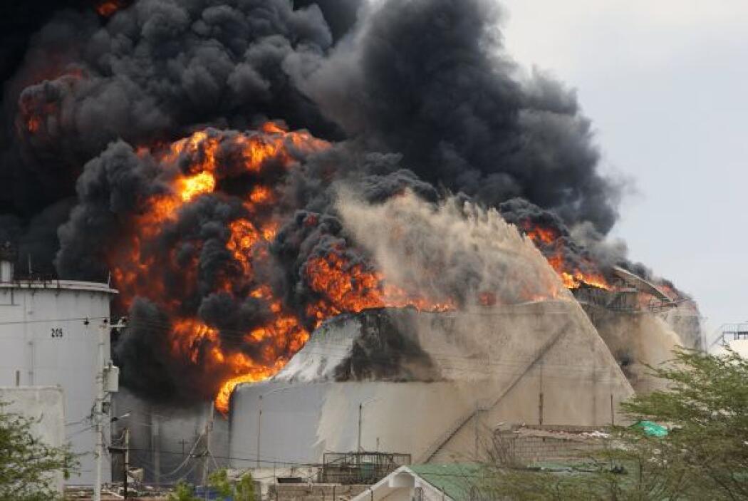 Agosto 25- En el estado Falcón, en Venezuela, sucede la explosión en la...