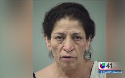 Maestra acusada de maltratar a un niño con autismo