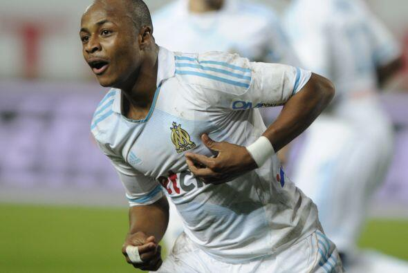 Desde Ghana se encuentra André Ayew.