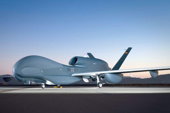 Agrega la compra de aviones a control remoto no tripulados (drones) para...