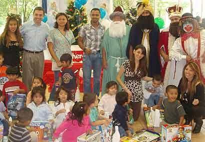La alegría de los niños se reflejaba en las sonrisas. Todos esos juguete...