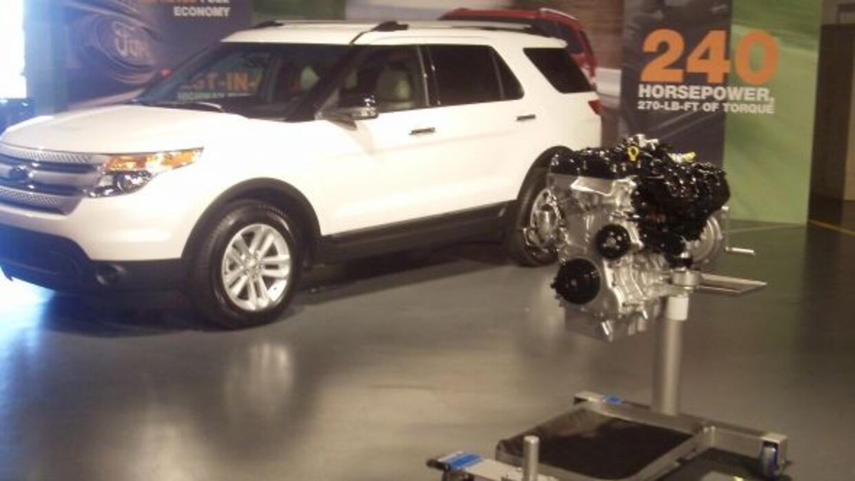La Explorer ahora ofrece también un motor 4 cilindros Ecoboost de 2.0 li...