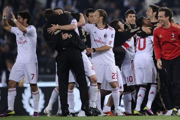 El resultado final fue empate 0 a 0. Milan festejó en la casa de...