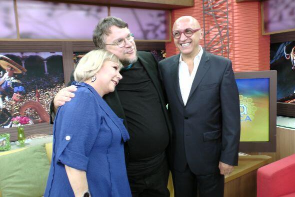 Una foto con tres grandes personajes del cine y la televisión hispana, C...