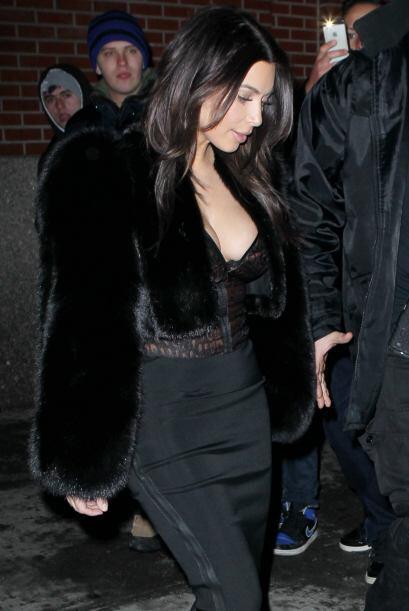 Kim Kardashian nos vuelve a sorprender... Más videos de Chismes aquí.