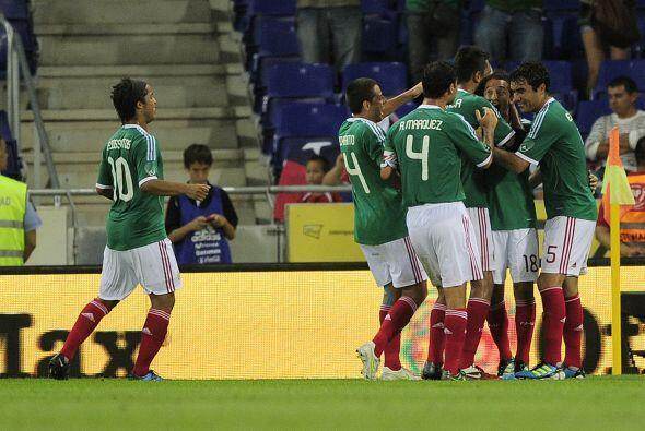 Con un golazo de Guardado, de tiro libre, México ganó 1 a...