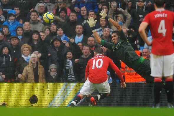 Más tarde se marcó un penalti para los 'Devils'. Rooney lo...