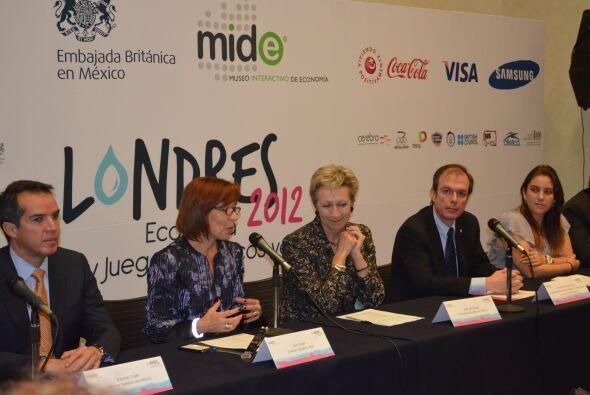 Según Silvia Singer, Directora General del MIDE, en esta exposición el v...