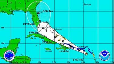 Erika 5 PM jueves