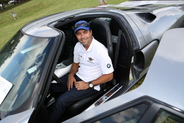 Alex Popow es un piloto de carreras venezolano.  Mira esta gran aventura.