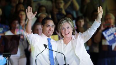 Julián Castro y Hillary Clinton.