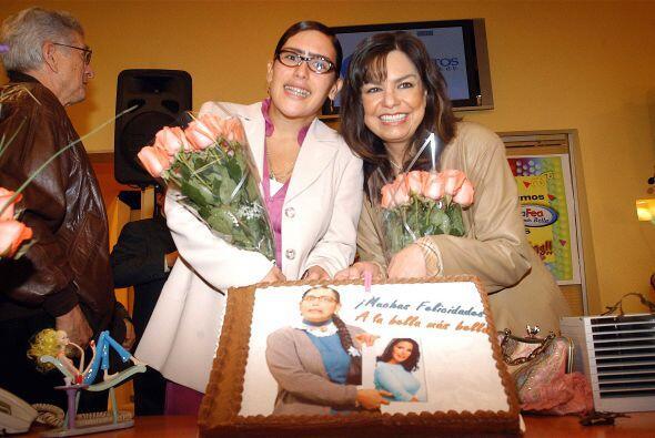 Angélica Vale con la productora Rosy Ocampo.