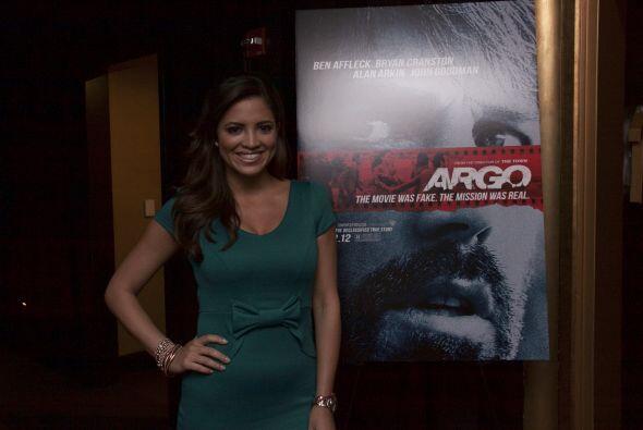 Pamela Silva Conde se encargó de presentar la película Argo en un evento...