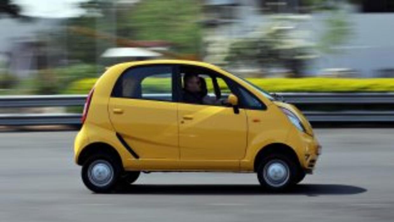 El gobierno de la India rifará un Tata Nano entre quienes se esterilicen...