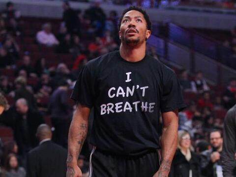 """Derrick Rose, se puso una camiseta con la leyenda """"I Can't Breathe&..."""