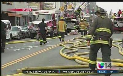 Incendio provoca evacuaciones en la Mission