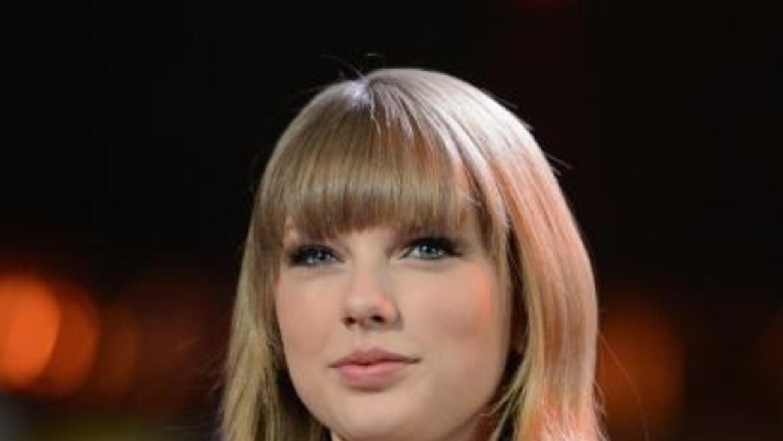 Taylor Swift tan joven y tan bondadosa.                ...