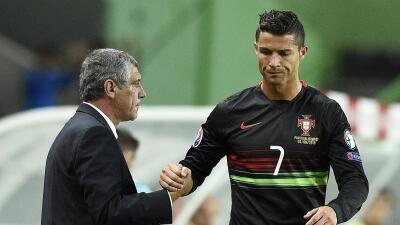 Fernando Santos elogia a Cristiano Ronaldo