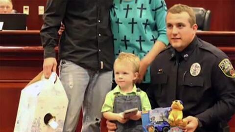 El oficial Chase Miller fue reconocido por toda la comunidad de Granbury...