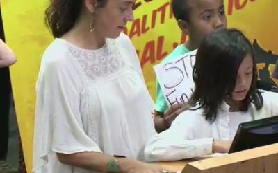 Organizaciones pro inmigrantes piden cambios en la policía de Austin