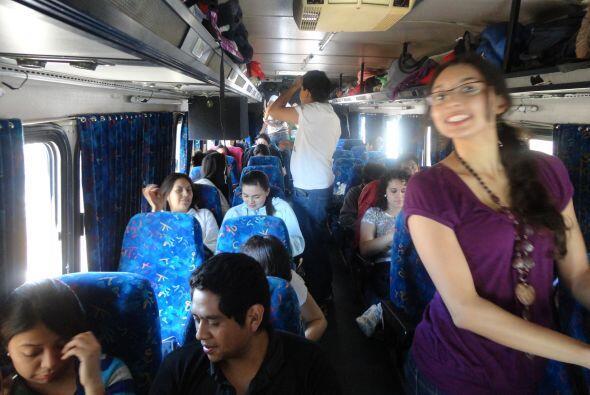 El autobús estuvo repleto de mexicanos unidos por la misma causa, reunir...